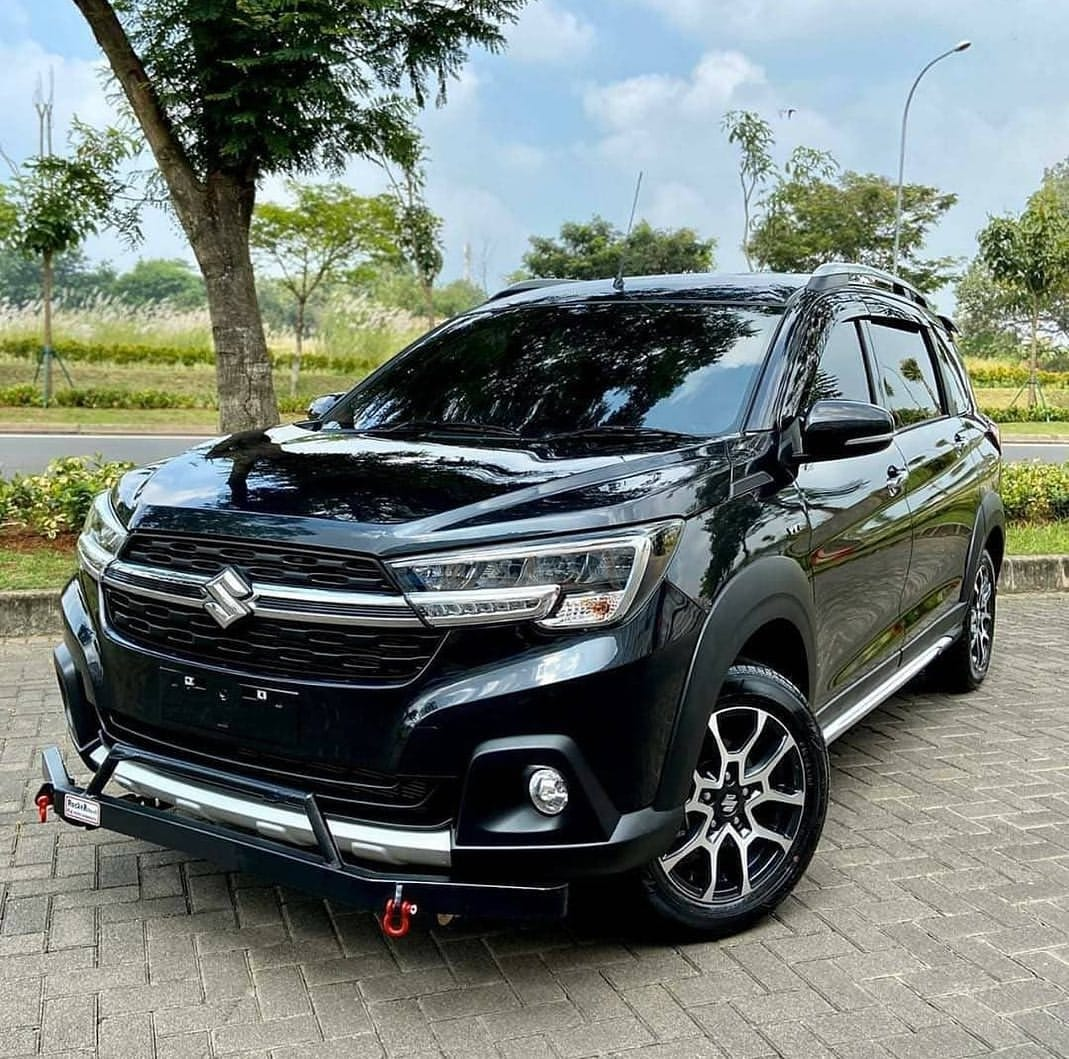 Suzuki XL7 Warna Hitam Prime Cool Black